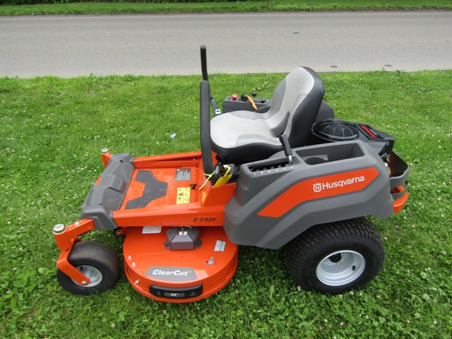 Husqvarna Z 242F Zero Turn Mower