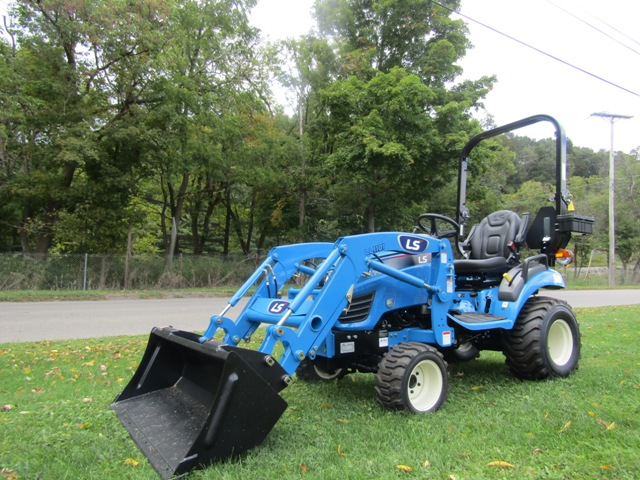 LS Tractor MT125 Tractor and Loader 4x4